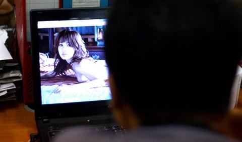 Tại sao người Việt tìm phim sex nhiều nhất thế giới ?